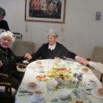 AWO Faschingsfeier am 7. Februar 2019 v. n. r. Frau Grotthaus, Frau Warczinski, Frau Barth, Frau Krück, links im Hintergrund Monika Jüttner, Seniorenbegleiterin